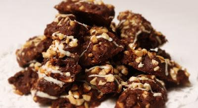 kue-kacang-cokelat