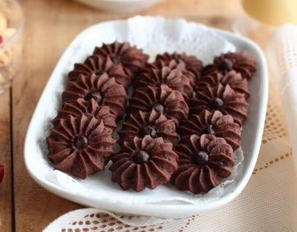 kue-kering-sagu-cokelat