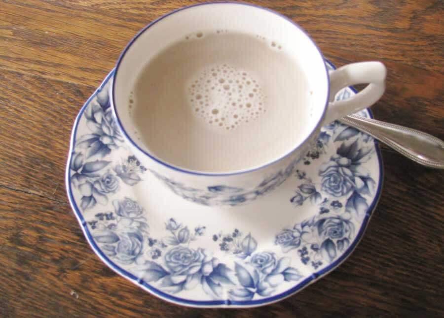café  au lait  / img: frenchtwistedwoman.com