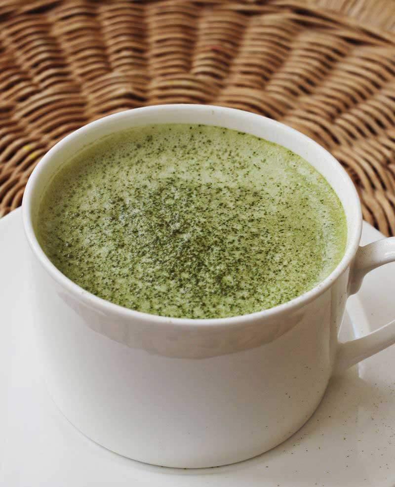 green tea latte / img: abeautifulmess.com