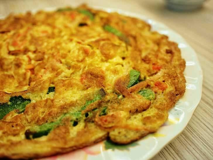 Telur dadar ala restoran - image via gurkhason.wordpress.com