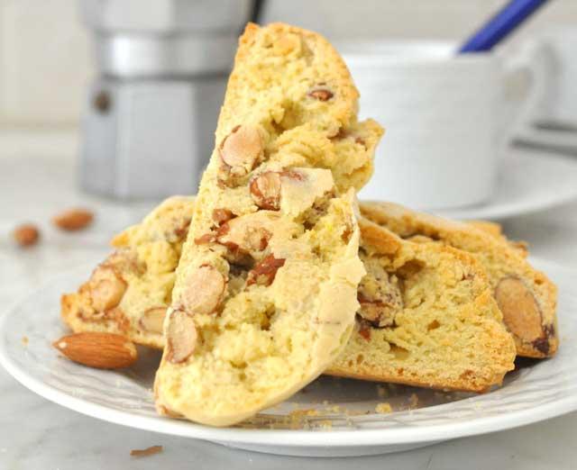 4-bananabiscotti-almond-chocochips