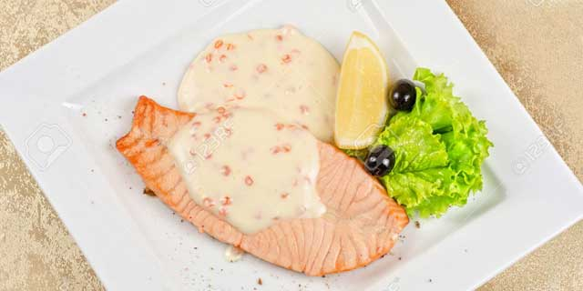 6-salmon-steak-cheese-sauce