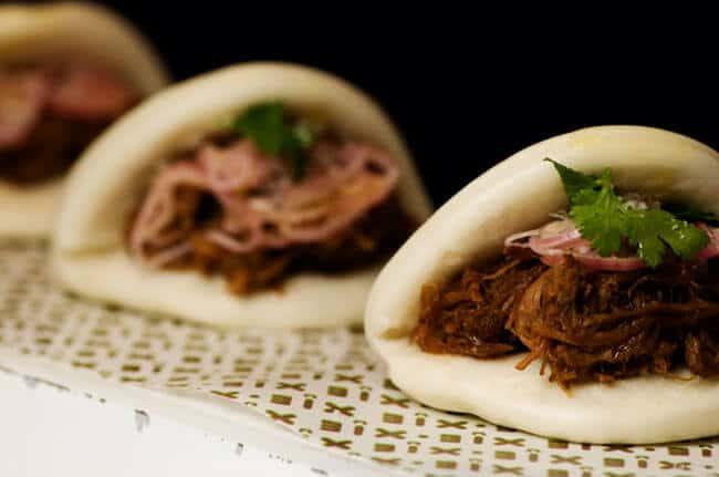 1-bakpao-gulung-babi