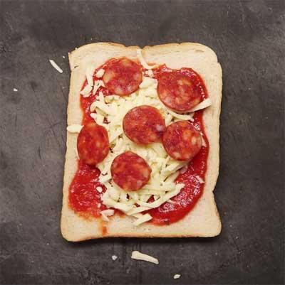 4-toastie-pizza