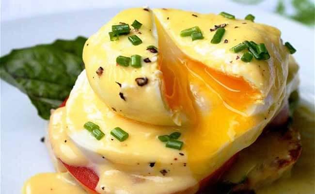 10-eggs-benedict