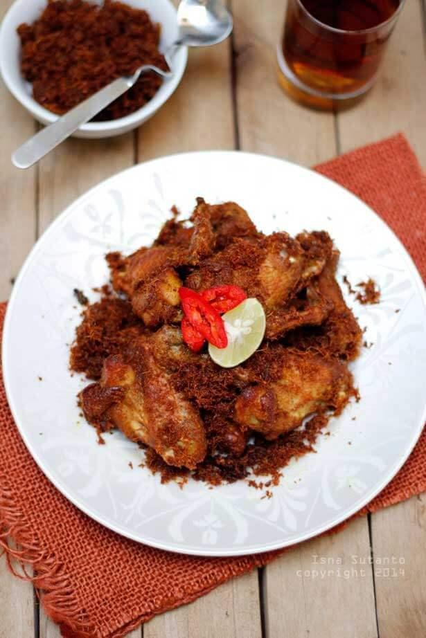 Ayam goreng lengkuas | via cobacoba-isna.blogspot.com