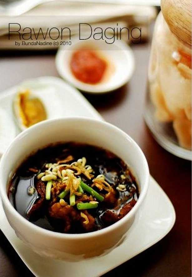 Rawon daging spesial | via pinterest.com