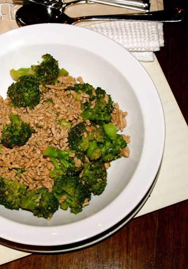 Tumis brokoli telur asin | via resepmasakandapurarie.com